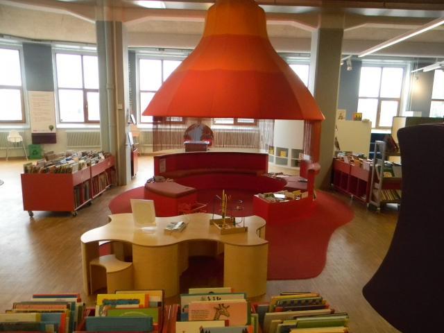 """""""ნათურების ქარხნის ბიბლიოთეკა"""", სტოკჰოლმი"""